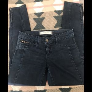 Pants - Abercrombie and Fitch Moto denim pants size 25 🌻